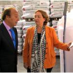 La consejera de Agricultura visita las nuevas instalaciones de almacenamiento de semilla certificada de Agraria San Anton